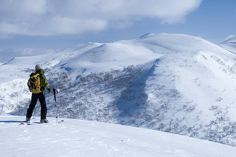 おととし登ったシャクナゲ岳にごあいさつ。