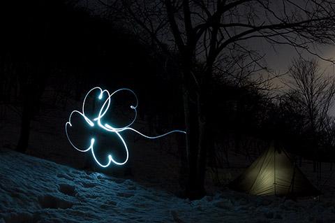 夜、急に思い立って、幸運のクローバーを描いてみた。
