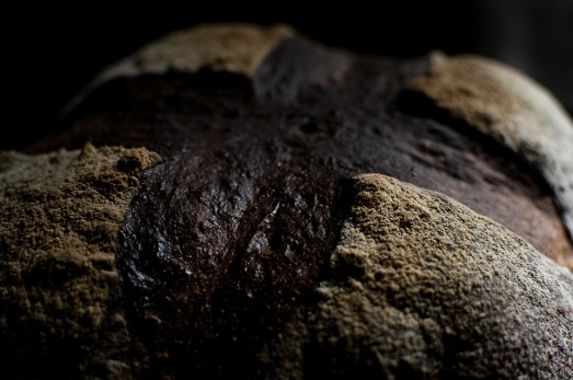 準強力粉7:全粒粉3で焼いたパン